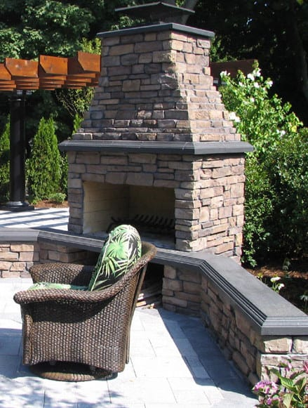 Outdoor fireplace kits for the diyer shine your light for Outside fireplace plans