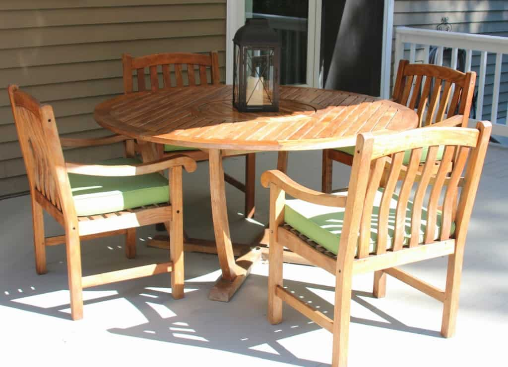 Cleaning sealing outdoor teak furniture shine your light for Restoration hardware teak outdoor furniture