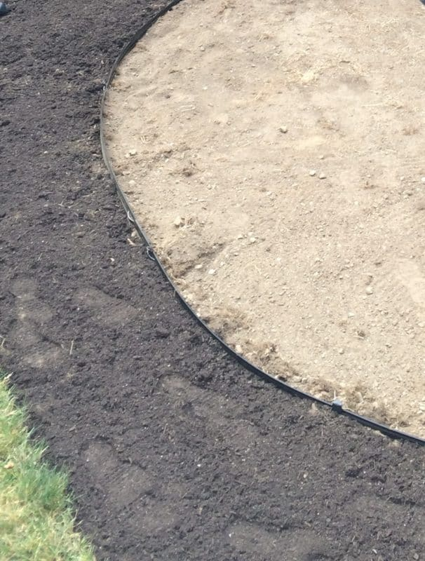 Metal garden edging