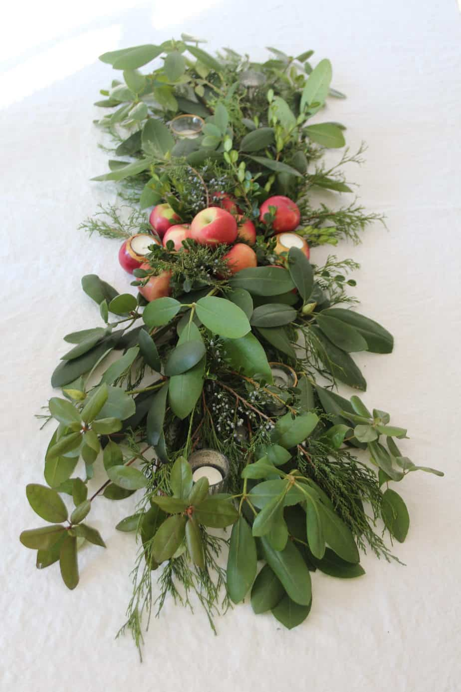 Last Minute Thanksgiving Tablescape | Foraged From The Yard
