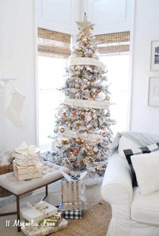 11 Magnolia Lane Amy's christmas home 2016