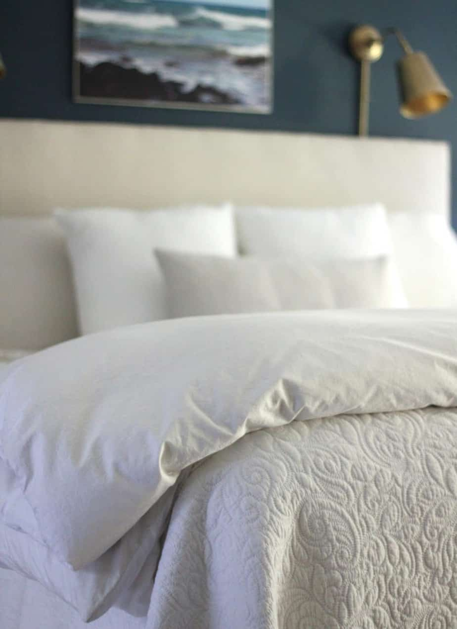 How To Keep Fitted Sheets On Your Bed