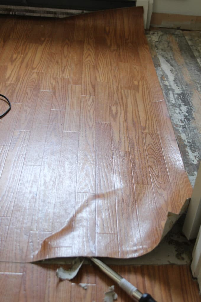 Removing laminate flooring - it's a tough job but you can do it.