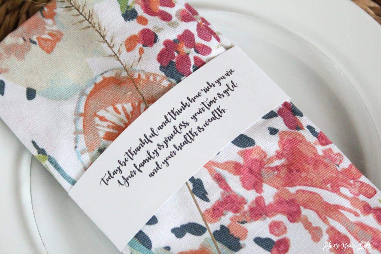Thanksgiving quote paper napkin rings.
