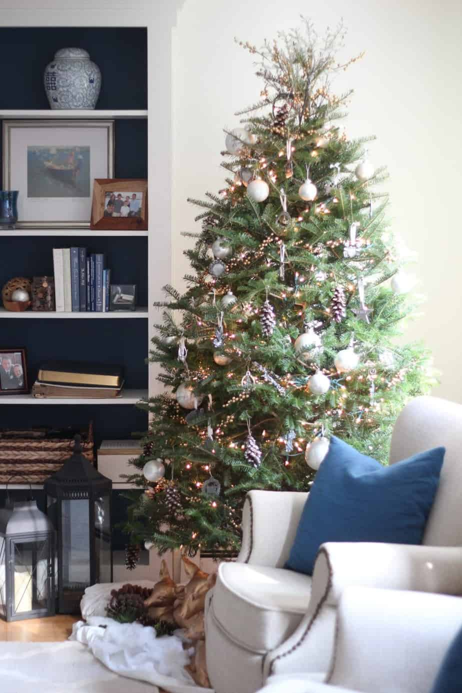 A woodland-themed Christmas tree | Shine Your Light blog
