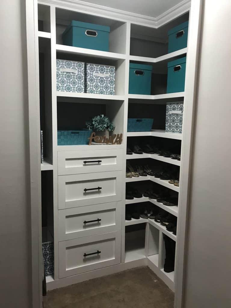Amazing complete DIY closet built-ins