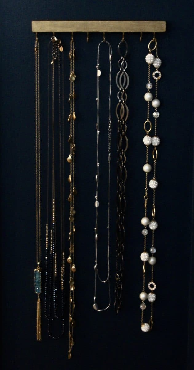 Easy DIY necklace hanger that takes 20 minutes to put together.