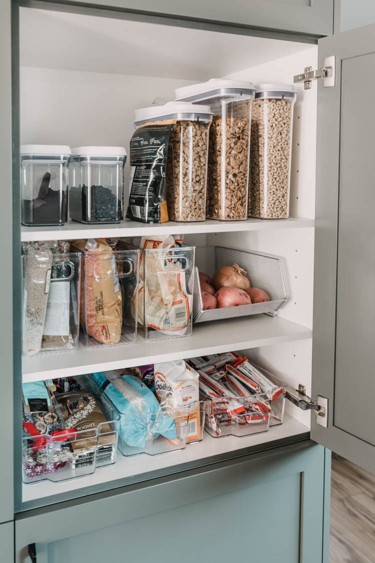 Pantry organization ideas from Lemon Thistle