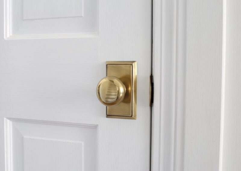 Brass Doorknobs With Rectangular Backplate